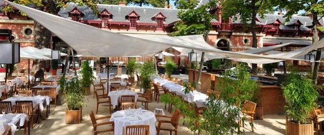 Restaurant les jardins de bagatelle traditionnel paris for Restaurant avec jardin terrasse paris