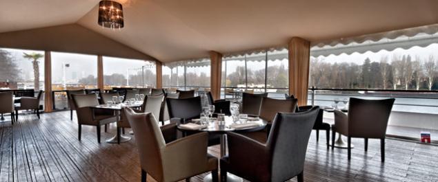 Restaurant salon sur l 39 eau aqua caff french cuisine for Le salon in french