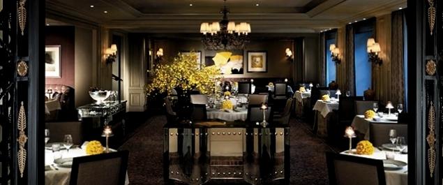 Restaurant L'Abeille** (Shangri-La hotel Paris) - Paris