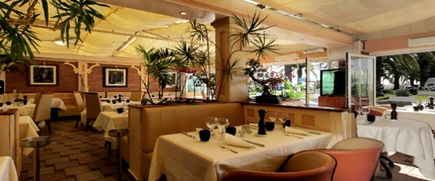 R servez pour un groupe au restaurant le paradis marin - Restaurant port de saint laurent du var ...