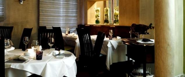Restaurant Table 22 par Noël Mantel - Cannes